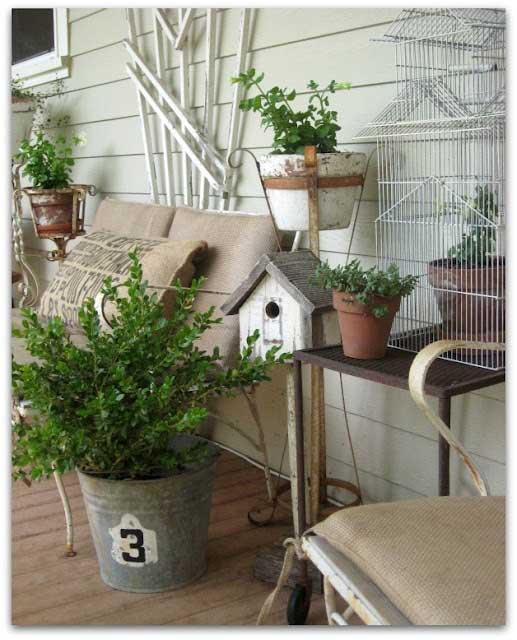 Birdcage Garden Decor Decorating with Birdcages   12 Creative Ideas for Everyday Use