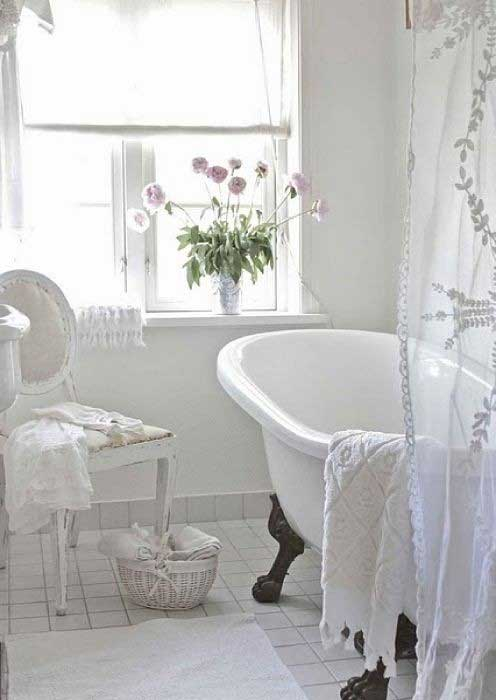 Tranquil Bathtub 14