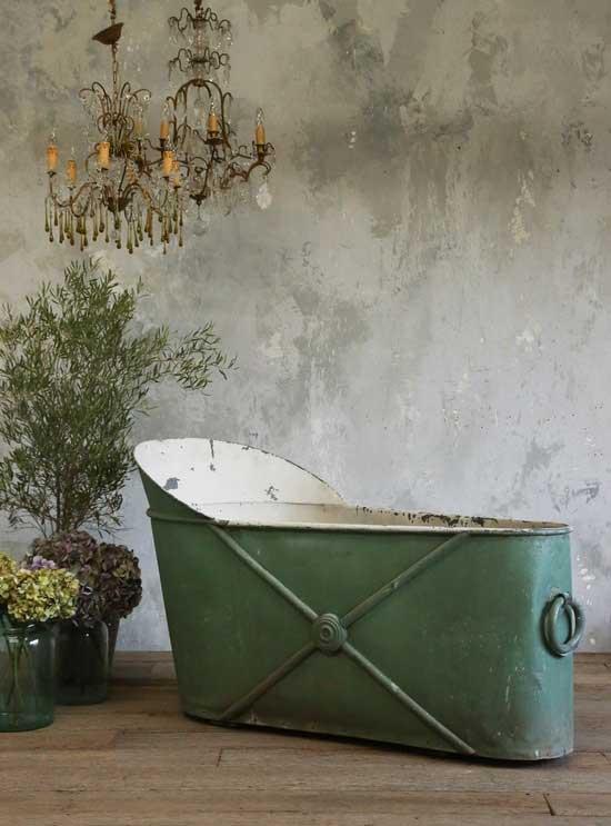 Tranquil Bathtub 17