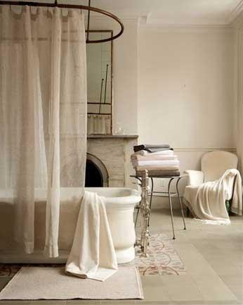 Tranquil Bathtub 7