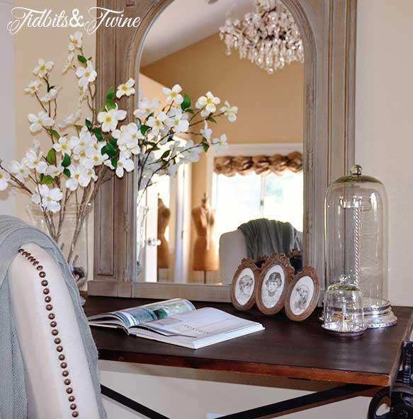 Tidbits&Twine Drafting Table Desktues