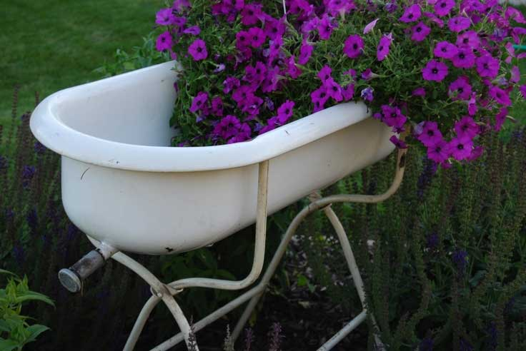Vintage Series Decorating With Baby Bathtubs