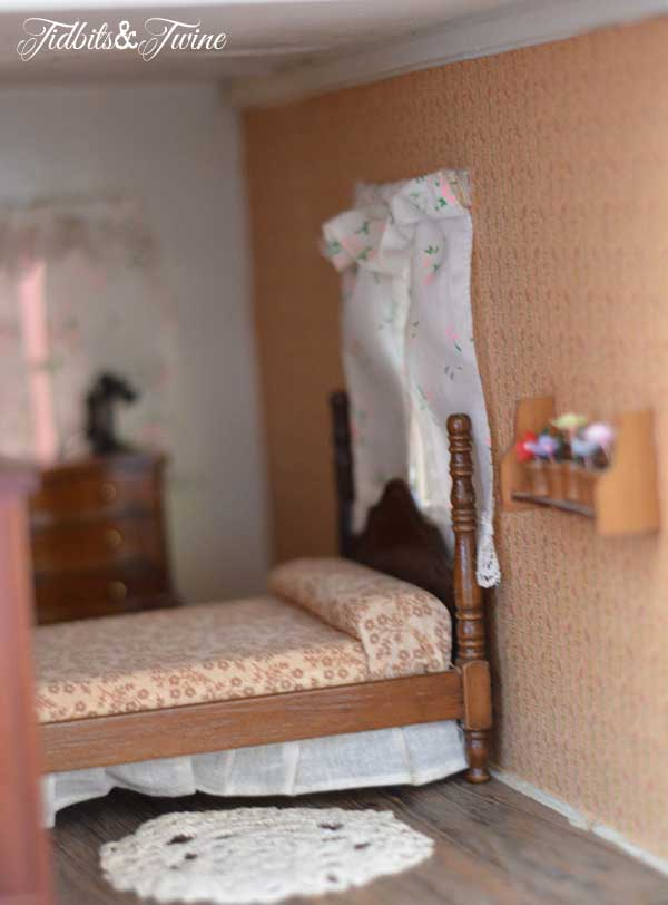 Tidbits&Twine Handmade Dollhouse 14