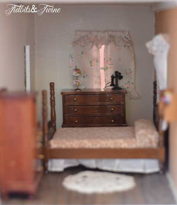 Tidbits&Twine Handmade Dollhouse 15
