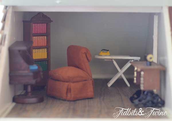 Tidbits&Twine Handmade Dollhouse 18
