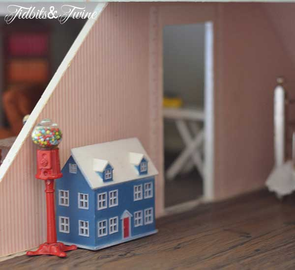Tidbits&Twine Handmade Dollhouse 23