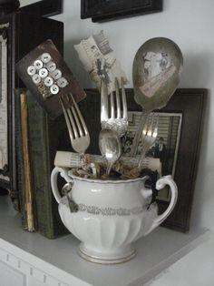 Tidbits&Twine Silver Photo Display