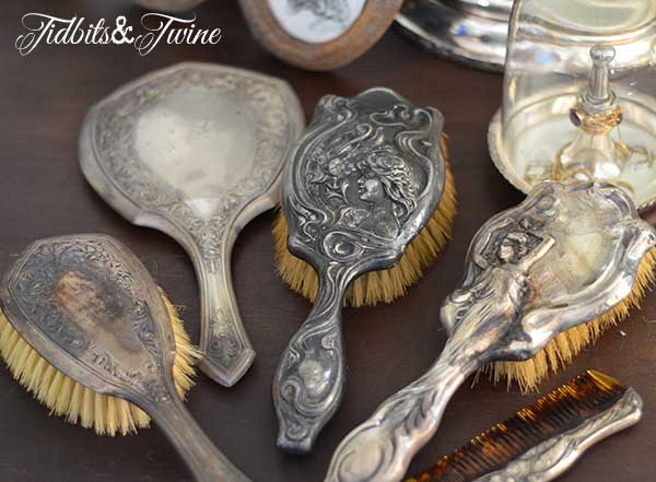 Tidbits&Twine Vintage Silver Hairbrush Set