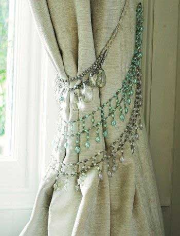 Tidbits&Twine Vintage Necklace Tieback