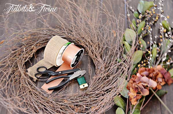 Tidbits&Twine Fall Wreath Step 1
