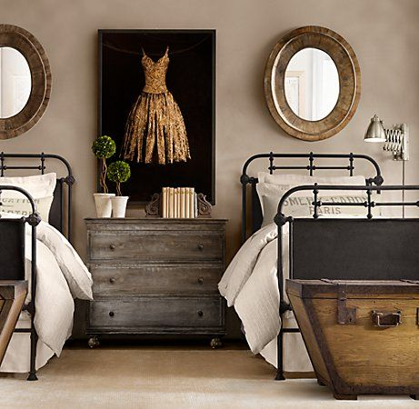 guest bedroom inspiration 20 amazing twin bed rooms. Black Bedroom Furniture Sets. Home Design Ideas