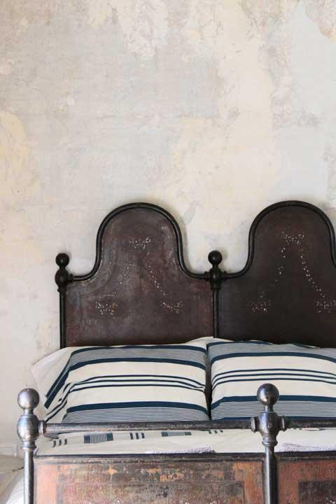 Tidbits&Twine-Guest-Bedroom-Inspiration-5