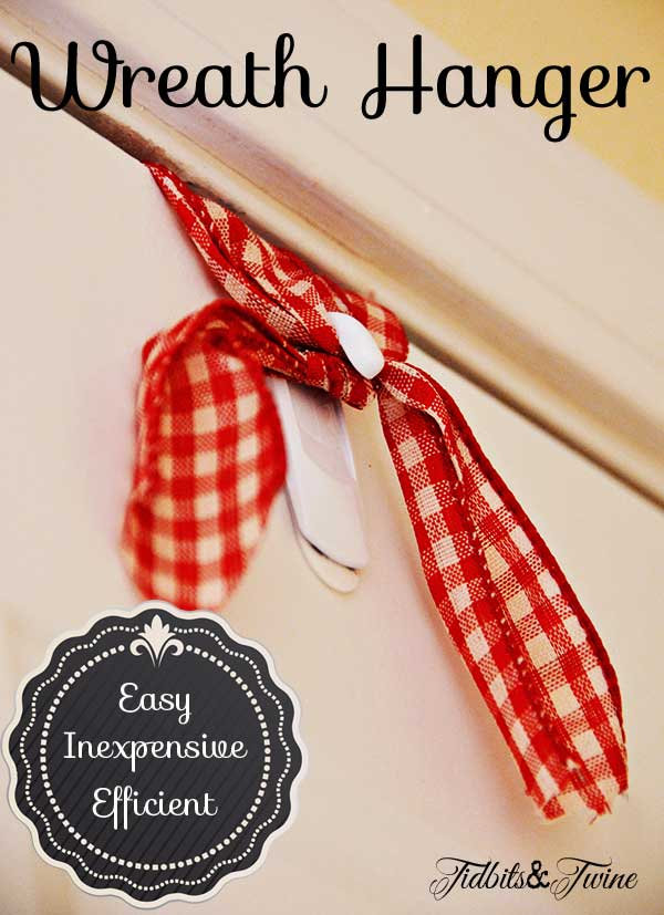 Tidbits&Twine-Easy-Way-to-Hang-a-Wreath