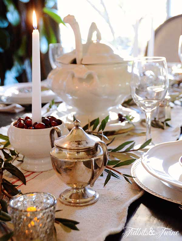 Tidbits&Twine-Holiday-Tablescape-2