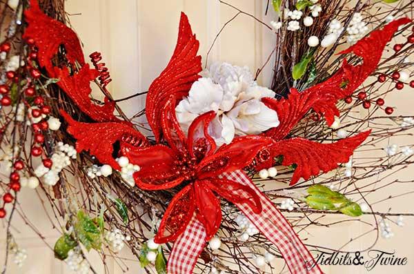 DIY Holiday Wreath Tutorial {One Wreath for All Seasons}