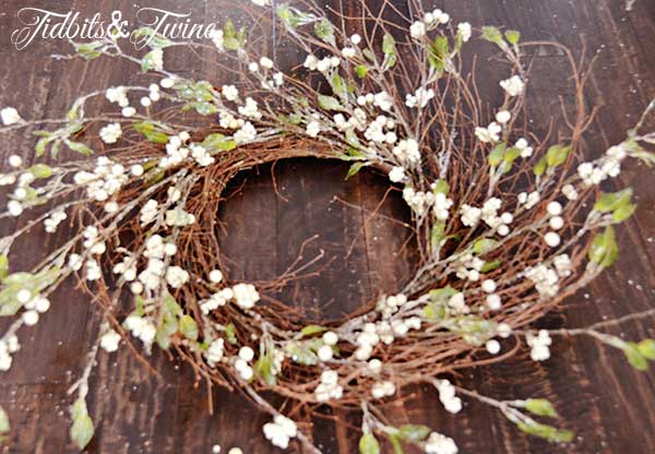 Tidbits&Twine-Holiday-Wreath-Step-2