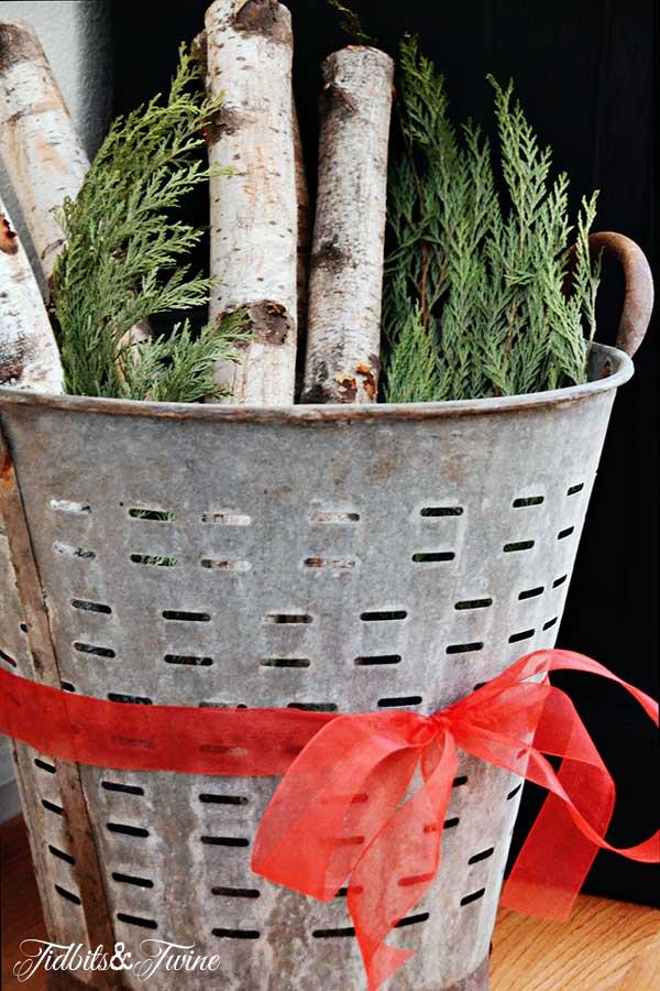 Tidbits&Twine-Christmas-Olive-Bucket
