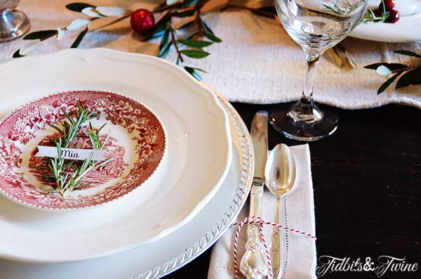 Tidbits&Twine-Holiday-Place-Setting