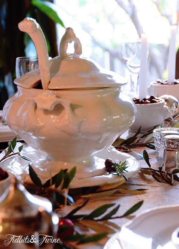 Tidbits&Twine-Holiday-Tablescape-9a