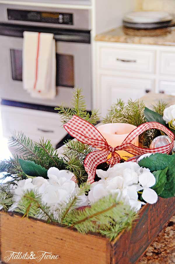 Tidbits&Twine-Vintage-Christmas-Box-2
