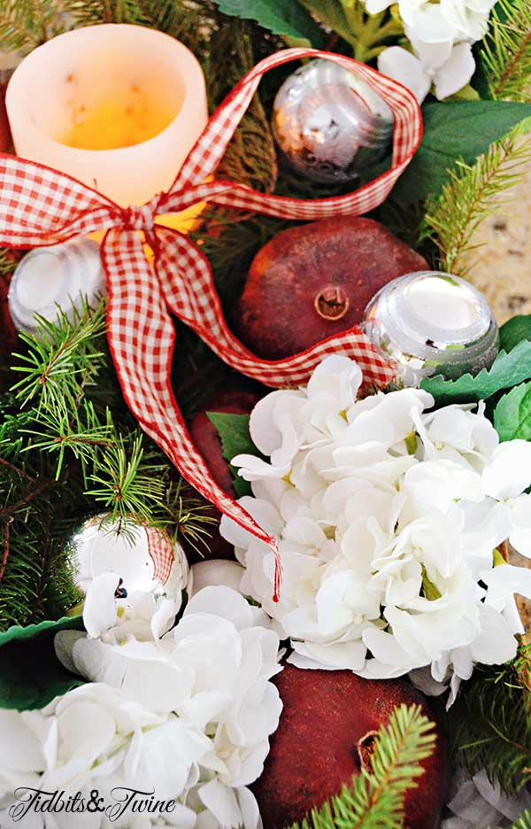Tidbits&Twine-Vintage-Christmas-Box-3