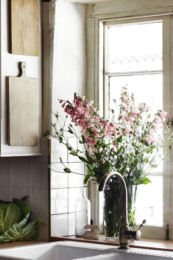 TIDBITS & TWINE Flowers in Kitchen