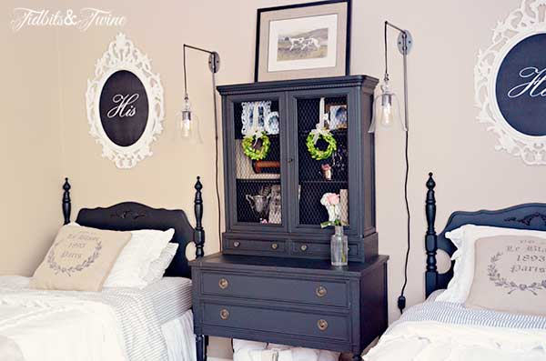 TIDBITS-&-TWINE-Guest-Bedroom-with-black-furniture