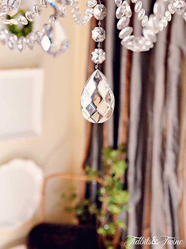 TIDBITS-&-TWINE-Chandelier-Makeover-Center-Crystal