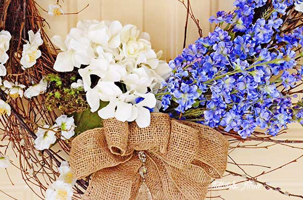 TIDBITS-&-TWINE-Spring-Wreath-2014-Closeup