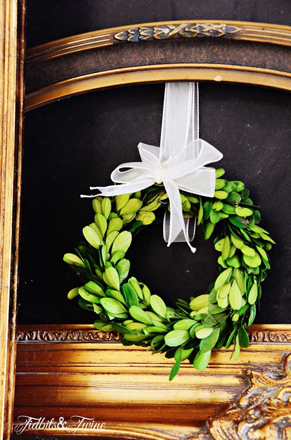 TIDBITS&TWINE-Boxwood-Wreath
