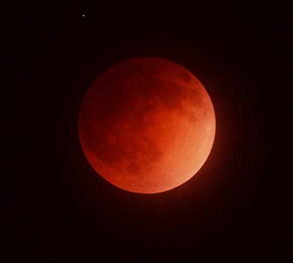 Interstellar-Stargazer---Blood-Moon