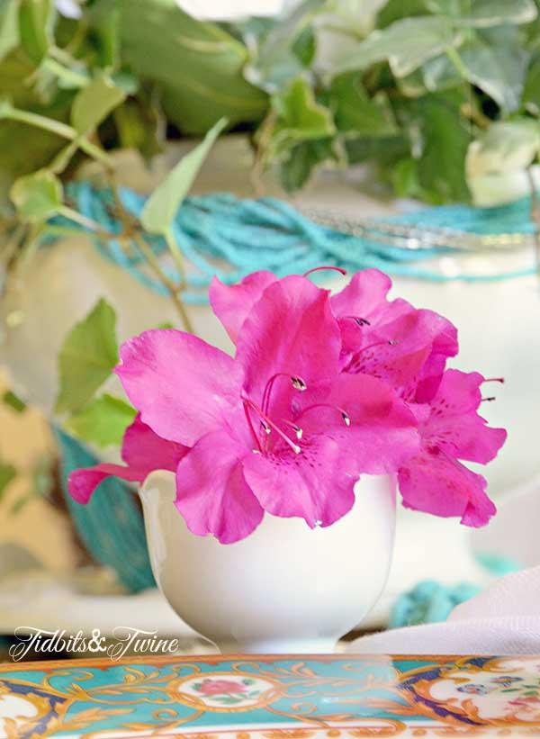 TIDBITS-&-TWINE-Azalea-Egg-Cup-Vases