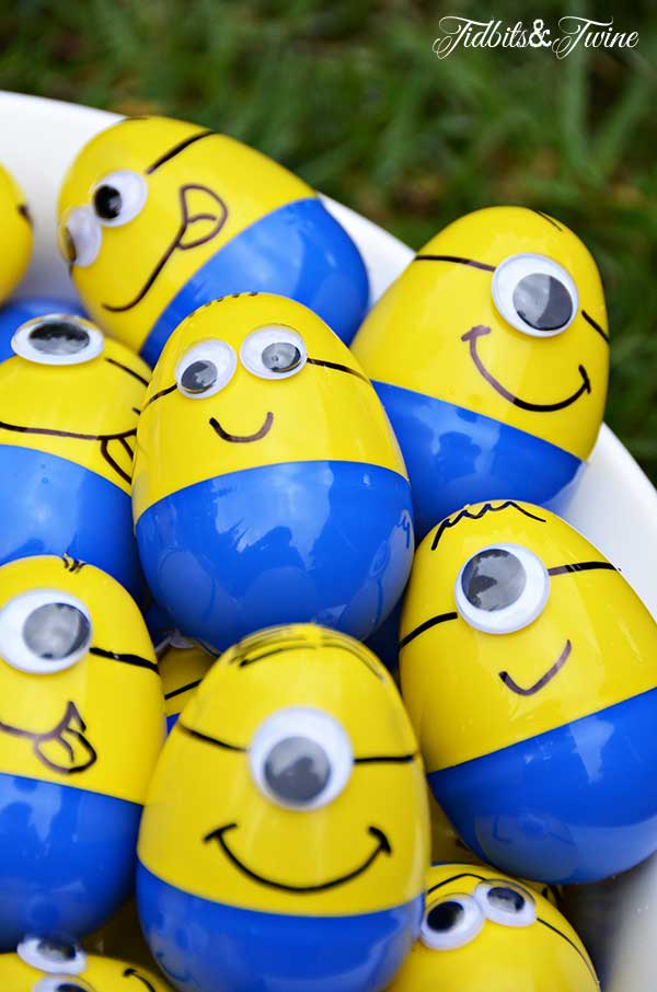 TIDBITS-&-TWINE-Minion-Egg-Hunt