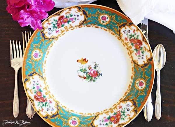 TIDBITS-&-TWINE-Spring-Tablescape-Plates-2