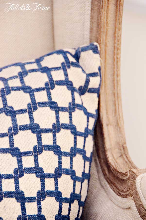 TIDBITS-&-TWINE-Down-Accent-Pillow