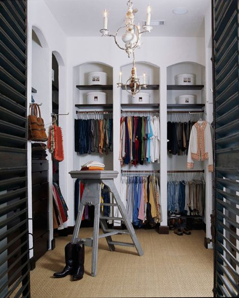 Arched Reach In Closet