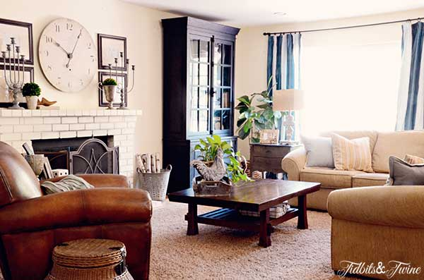 TIDBITS-&-TWINE-Casual-Family-Room-2