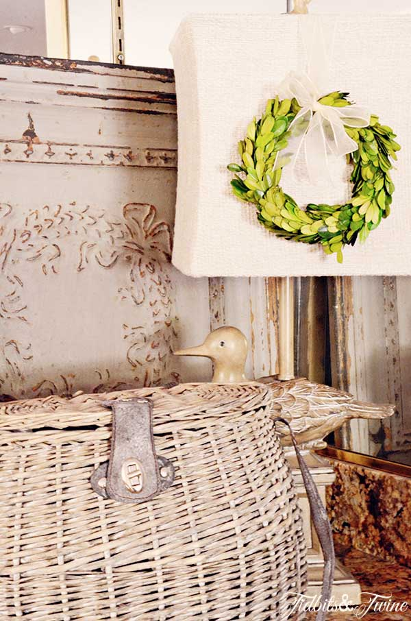 TIDBITS-&-TWINE-Casual-Family-Room-Fishing-Basket