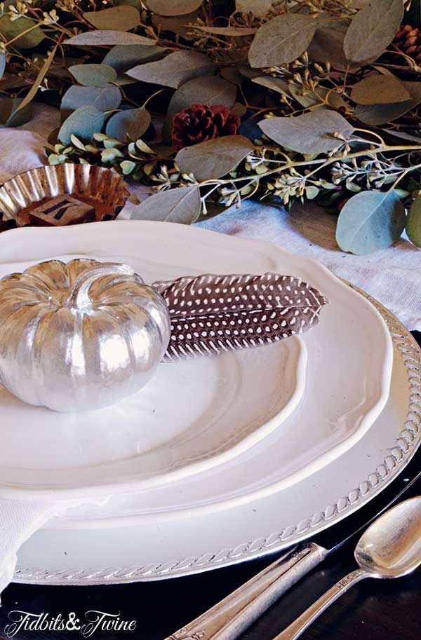 TIDBITS-&-TWINE-Fall-Table-Place-Setting-2