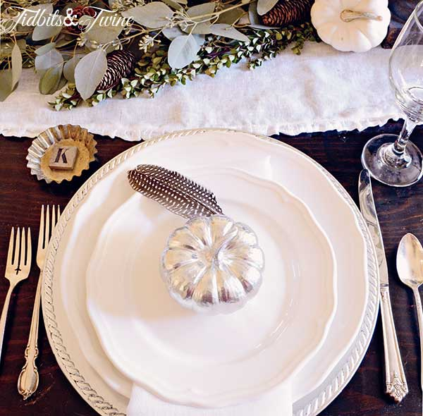 Creating A Green & White Fall Tablescape