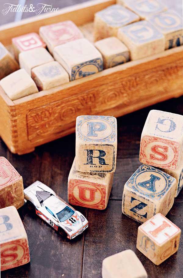 TIDBITS-&-TWINE-Vintage-Blocks
