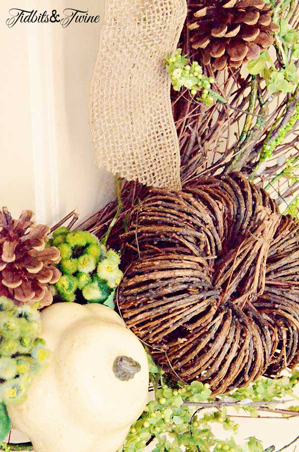 TIDBITS&TWINE-DIY-Fall-Wreath-Close-Up