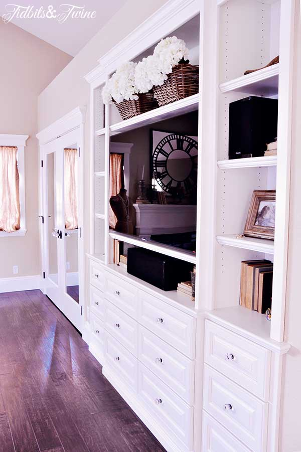 TIDBITS-&-TWINE-Built-in-and-Closets