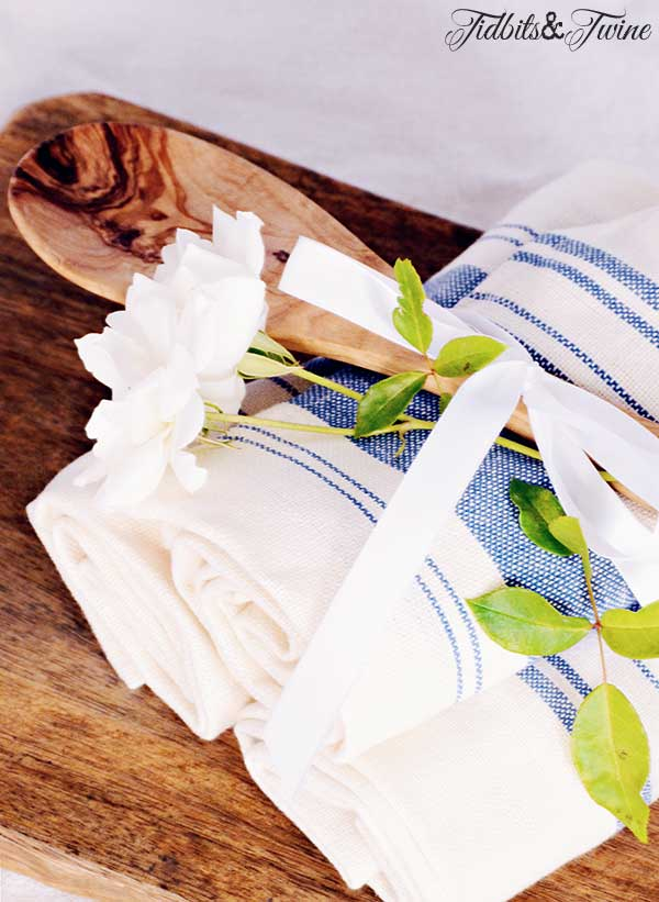 TIDBITS-&-TWINE-Dish-Towel-Hostess-Gift