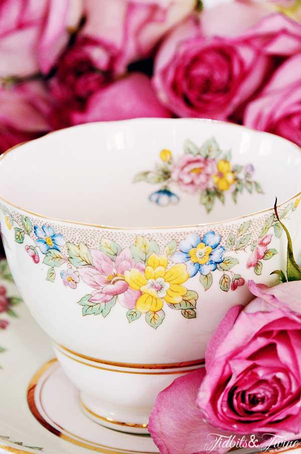 TIDBITS TWINE Jens Teacup 10 Easy & Elegant Hostess Gift Ideas