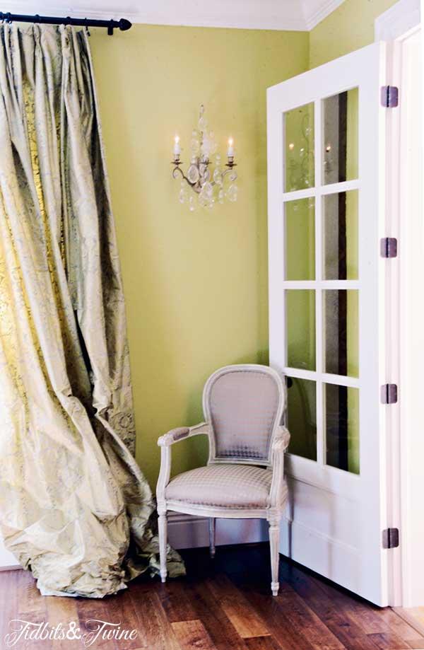 TIDBITS-&-TWINE-Liz-Dining-Room-Corner