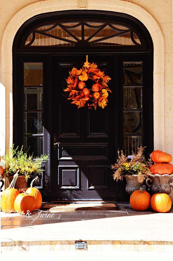 TIDBITS-&-TWINE-Liz-Front-Door