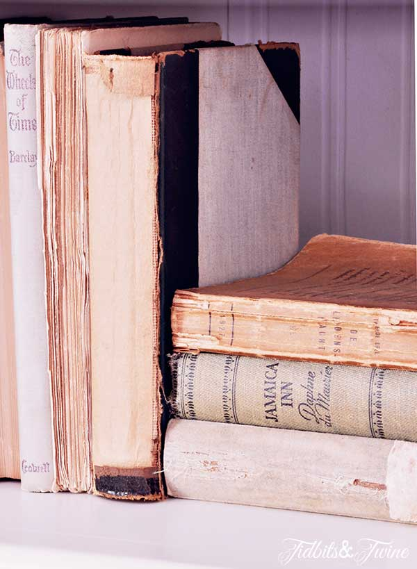 TIDBITS-&-TWINE-Vintage-Books