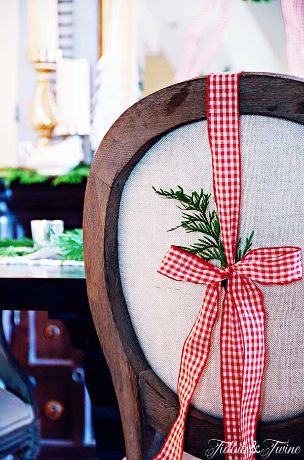 TIDBITS-&-TWINE-Christmas-Chairs
