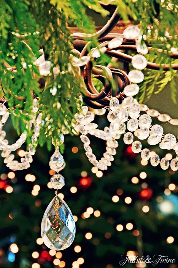 TIDBITS-&-TWINE-Christmas-Chandelier